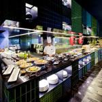 Show Kitchen at Azur Restaurant