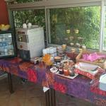 Great breakfast, fridge available, games for the kids, jacuzzi, great view, friendly service, cl