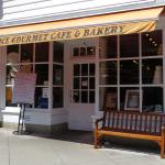 Chez Alice Cafe & Bakery