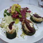 Zucchine con formaggio di capra e pere al Porto