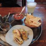 El Cuante, Cusco, Peru - nachos, salsa & garlic bread