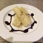 The Malai Kulfi is the best I have ever had!  Creamy and perfectly sweet!  I am only here in Mus