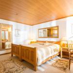 superior room bath/balcony