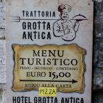 Grotta Antica - sign showing the way