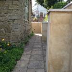 Level path to Munslow Cottage