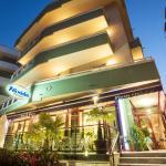 Hotel Florida in notturna