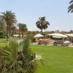 Hotel Gardens and Pool restaurant Bar