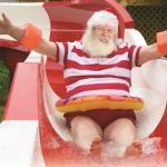 Tout le monde adore nos glissades d'eau. Même le Père Noël!