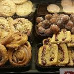 Stadtbäckerei Junge Foto