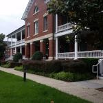 Entrance - IHG Army Hotels Wainwright Hall - Historia Image