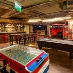 Foosball + Pool tabels