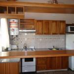cocina completa,junto al comedor