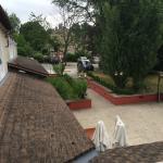 De tuin achter het hotel