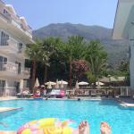 Foto de Montebello Beach Hotel