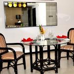 Premier suite dining table
