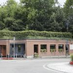 Cernobbio : Bar Gelateria Cafeteria GEI depuis 1890, situé Piazza G. Mazzini sur le rond-point.