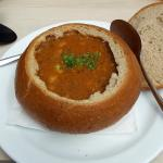 Soupe traditionelle, vue de la terrasse, carte des plats