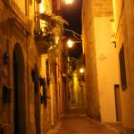 Gasse Triq Santa Maria nachts