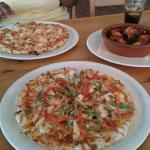Hawaiian and Sea Food pizza (calamari, mussel and scampi) and chicken wings!