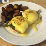 Easton CT Olde Bluebird Inn Eggs Benedict of the Day