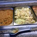 Večeře all inclusive v hotelu Sunberk. Bulgur, květák, těstoviny, bramborové krokety, maso žádné