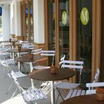 M Cafe Melrose Outdoor Tables