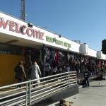 Lojas de souvenirs e restaurantes compõe o Mercado do Porto