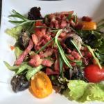 Salade d escargot Escalope au bleu Crème brûlé framboise