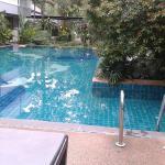 สระว่ายน้ำในรีสอร์ท