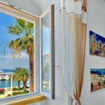 Apartment VALERIA living room sea view