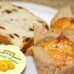 Continental Breakfast - Mini Muffin & Raisin Bread