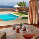 King Minos Royalty Suite with private pool