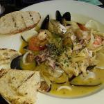 Garlic and wine seafood pasta