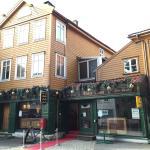 Three Lions English Pub