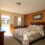 Breckenridge Wayside Inn