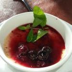 La panacota con frutos rojos muyy buena