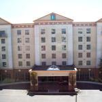 纽瓦克威明顿南大使套房酒店