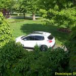 Parking devant la Maison
