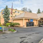 ‪Comfort Inn & Suites West‬