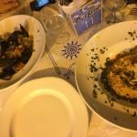 La nostra cena, cocktail di gamberi e tris affumicato, cous cous di pesce e linguine allo scogli