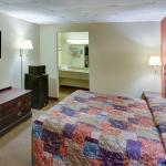 Photo of Econo Lodge Marshall