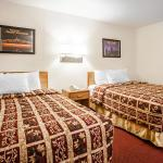 Photo de Econo Lodge Truman Inn