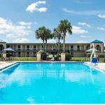 Travelodge Inn & Suites Jacksonville Airport