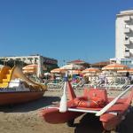 Vista albergo dalla spiaggia