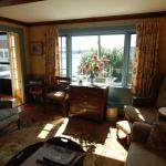 Harborside House living room