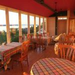 Salle à manger avec vue magnifique sur le fleuve