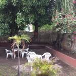 terrasse aménagé sous un manguier