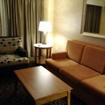 Foto de Doubletree Suites by Hilton Hotel Anaheim Resort - Convention  Center