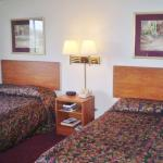 Foto de America's Best Inn & Suites Gaylord