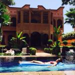 Suite Karim vue sur piscine et jardin